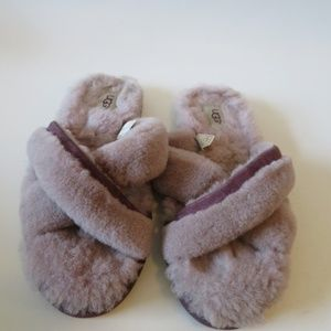 UGG Shoes - UGG 'ABELA' SHEARLING CRISS CROSS SANDAL SZ: 8 *